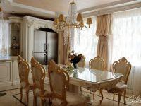 Кухня-столовая в стиле барокко